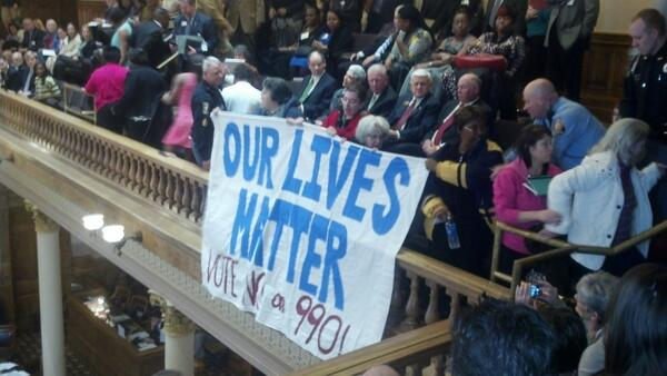 Moral Mondays mvmt is now in Georgia! Ppl participating in civil disobedience at #gasenate today: http://t.co/Igyyc1wP5B cc: @MoralMondayGA