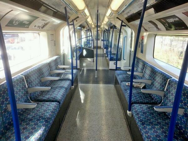 BjBU1hNIUAARBUw - The Victoria Line's really big 50th birthday! #2