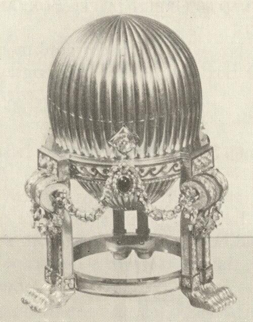 One of the 8 lost #Faberge Imperial Eggs has been recovered by #Wartski !!! http://t.co/SW1pikwfAW http://t.co/dYS4Y62iVr