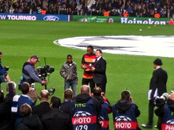 BjCH O8IcAAFZmH Galatasarays Didier Drogba presented with beautiful silver boot gift by Chelsea before kick off [Pictures]