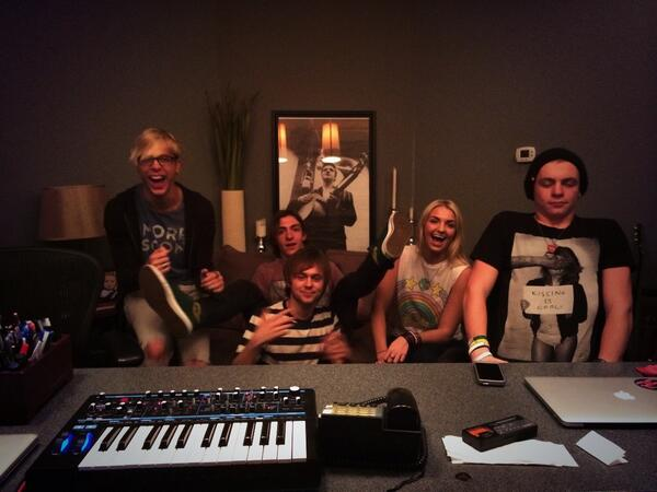 Back in with these clowns @officialR5 http://t.co/aRLbor8bfm