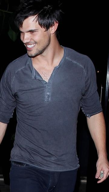 Happy Taylor Tuesday! #TaylorTuesday #TaylorLautner http://t.co/lFD9ThWFJO