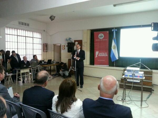 """@rubengalassi #AsambleasCiudadanas: """"Santa Fe tiene un gobierno de puertas abiertas"""" http://t.co/XAPcWneaf8"""