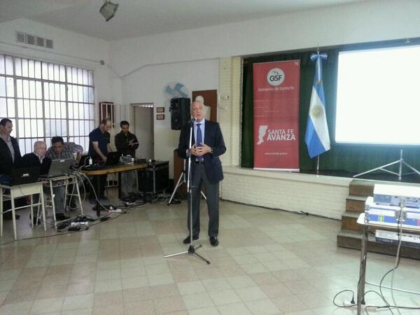 """@AntonioBonfatti: """"Seguimos apelando a estos espacios de diálogo"""" #AsambleasCiudadanas #Región4 http://t.co/XjjEcxhYyc"""