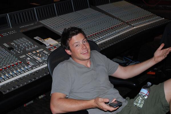 And my studio buddy. He was always so happy in the studio!!  We will miss him tonight. http://t.co/Qr5TTyTNJx