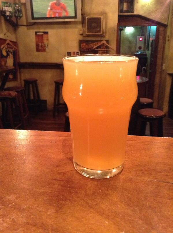 箕面ビールのおさるIPAでおまじない。 POPはもう無いです。 http://t.co/GDRWHB3iiw