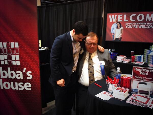Taking a moment at #EXPOcha to pray with @westonwamp @WelcometoAH http://t.co/QQuJkFVakb