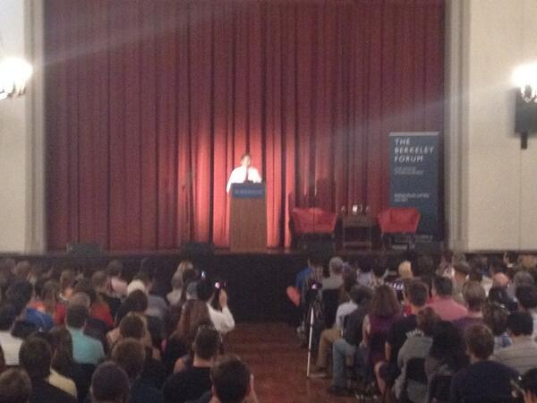 Rand Paul just took to the stage at UC Berkeley to Chumbawumba... http://t.co/02oacHO7J2