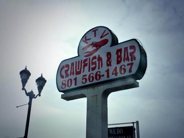 Just spotted in Midvale on State Street: KTV Crawfish & Bar. Not open yet... http://t.co/Bcfc3lu26V