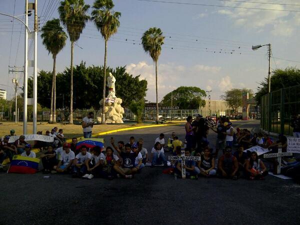 #NoALaFeria No queremos otra Reina de Feria Muerta como Genesis Carmona #Aragua #PazSinSumision http://t.co/kiuuh0gSsY