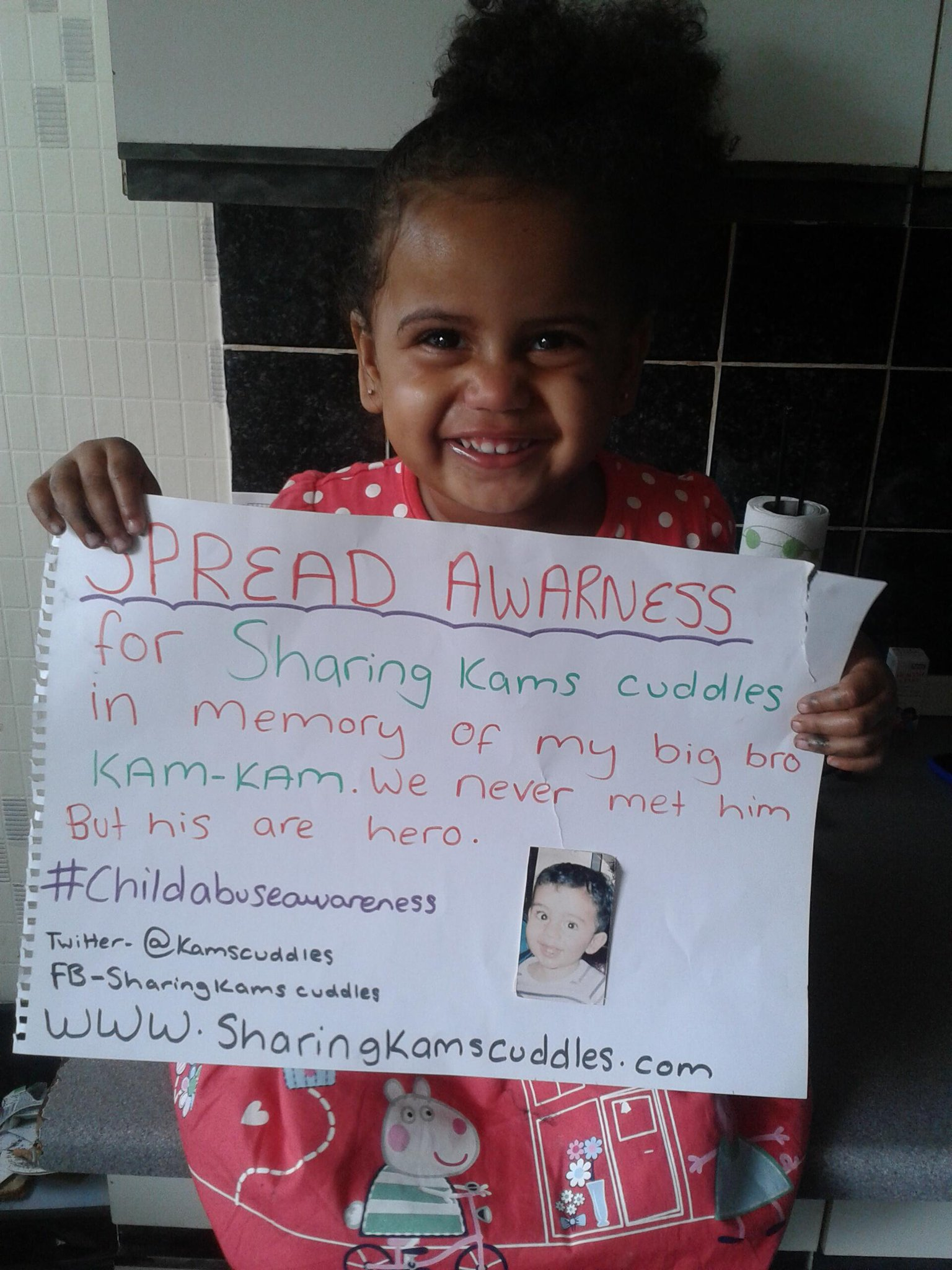 RT @Kamscuddles: @NolanColeen @MrPeterAndre @manny_smith6 @CraigGards8 @Iamzulubaz  Can u all RT help us raise awareness 4child abuse http:…