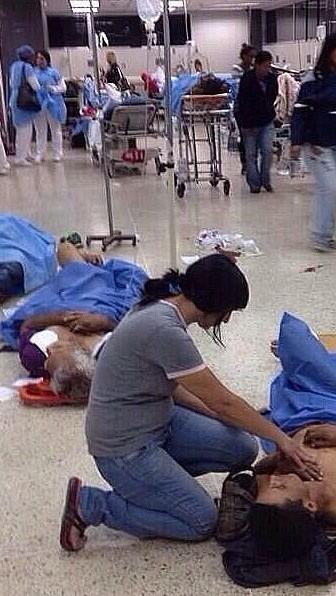 Esto no esta bien! Hospital PerezCarreño en Venezuela! @Laura_Ch #SOSVenezuela #prayforvenezuela http://t.co/gh0hRMO4lY