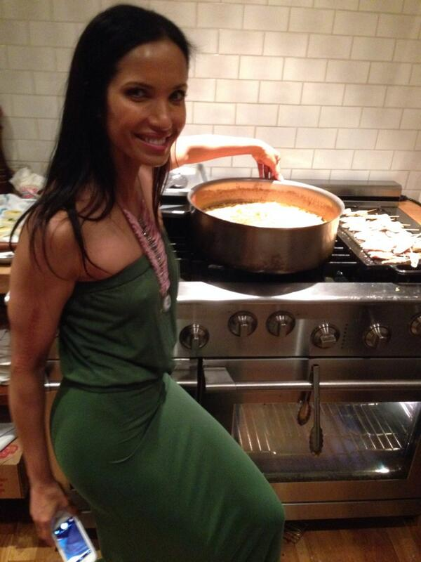Dinner 2nite w/my homegirl @PadmaLakshmi celebrating her Indian Mac &cheese &her tableware launch at @gilt. MAZEL !!! http://t.co/kDrWMLUYKk