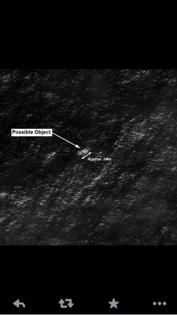 Found?  Satellite images show possible debris from missing Malaysia Airlines Flight #MH370  RIP All Who Died http://t.co/hFftgGT62D