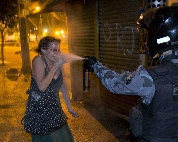 """@cubirito: CUAL SERIA EL CALIFICATIVO PARA ESTO http://t.co/79Dl2d5KfD"" #SOSVenezueIa #DDHH @IntlCrimCourt @hrw @CNNEE @NTN24 @dw_español"