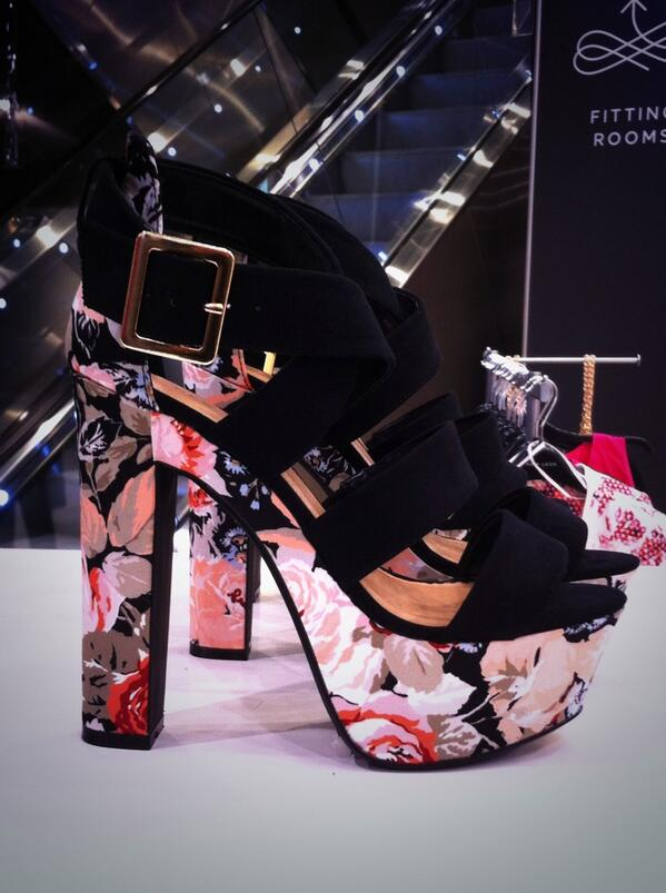 Fun, floral, platform heels from @NewLookFashion make a statement this spring summer in these gorgeous shoes! http://t.co/iZE8MbkFvB