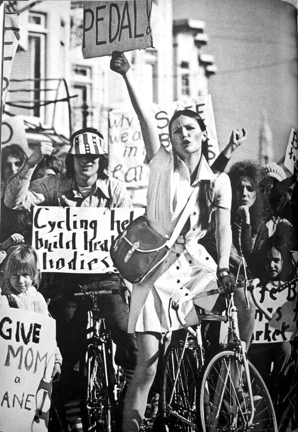 #throwbackthursday: Women of @sfbike in a 1973 Mademoiselle spread on women & biking! http://t.co/Y8YpnvvwMp