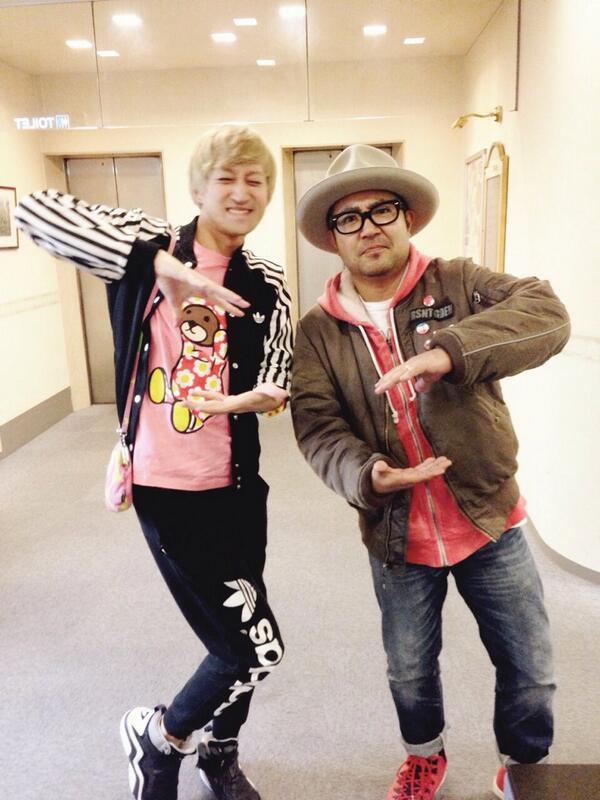 """皆見て!@tanashinGMA: 京都磔磔で協力  【恋するフォーチュンクッキー Rock Musician Ver. 】AKB48[公式]: http://t.co/eYrcHRsWJL  今そうさんとバッタリ会ったのでw http://t.co/hKkof2cnnb"""""""