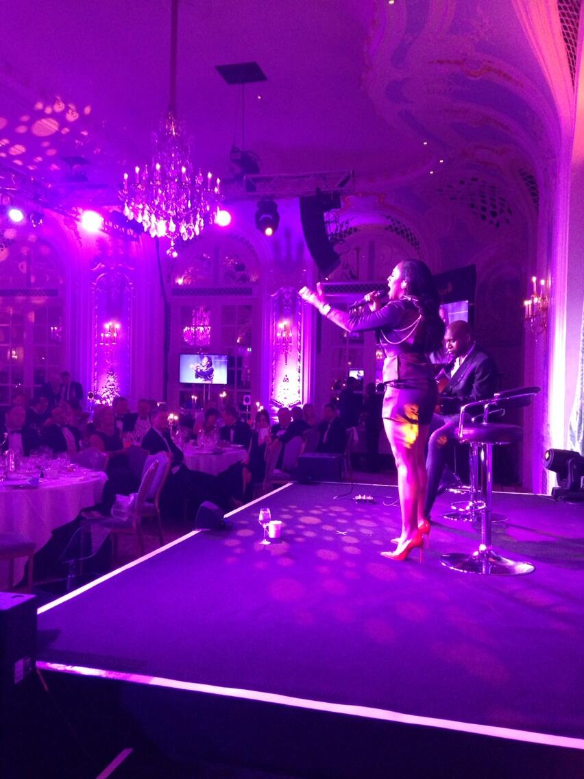 RT @WellChild: And final act of the night the wonderful Alexandra Burke's beautiful acoustic set #HHDinner14 @alexandramusic http://t.co/Bp…