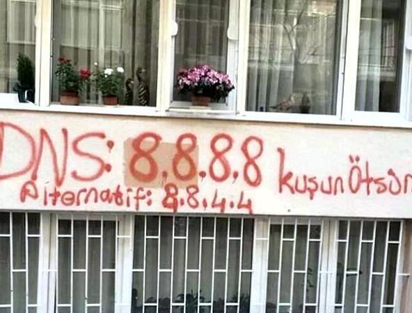 Kadıköy'ün yolları DNS / While #TwitterisblockedinTurkey, take a look at the Kadıköy streets http://t.co/doVEc4II26