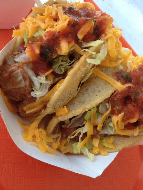 Sometimes all a guy needs is to munch on some puffy tacos... http://t.co/xf9tXxzB8x