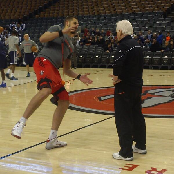 After going through warm-ups, @JValanciunas will play and return to starting lineup for #Raptors vs. Thunder. #RTZ http://t.co/oirYnAx5y8