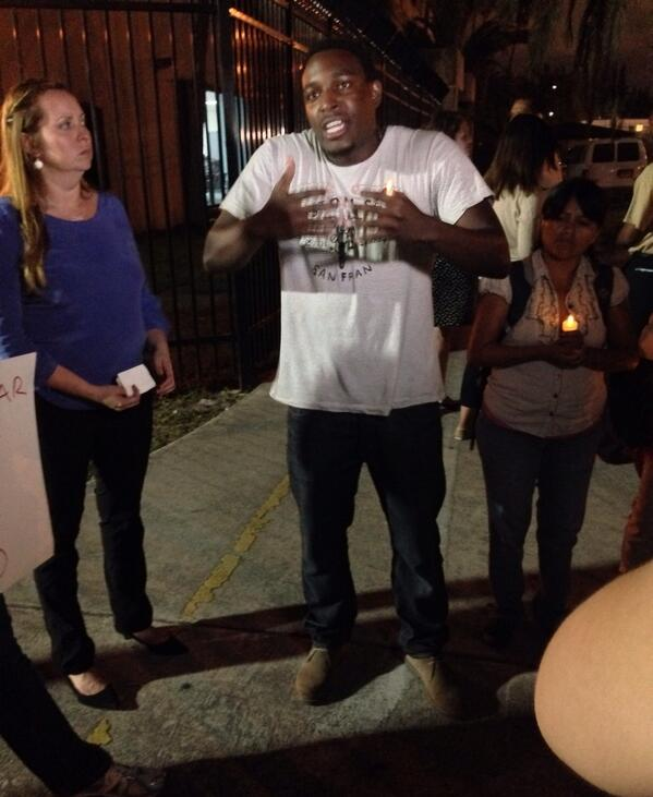 Omar is here tonight to support @SEIU_Eliseo on behalf of his Haitian brothers & sisters. #FreeEliseo #Fast4Families http://t.co/tuWnkEgId4