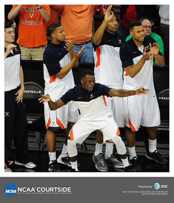 The @UVAMensHoops bench celebrated their comeback win.  http://t.co/1jGBTiBLvO by @ATT http://t.co/wPmpgsXk58