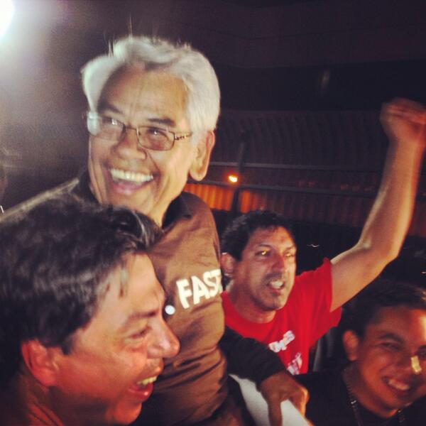 Eliseo @SEIU_Eliseo has been released from detention! Our prayers have been answered! #Fast4Families #FreeEliseo http://t.co/NkJyIYAi5V