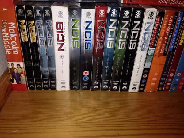 I sure love NCIS seasons from all over the world. @RockyCOfficial @MuseWatson @M_Weatherly @PauleyP @SeanHMurray http://t.co/2bxbMdTLLK