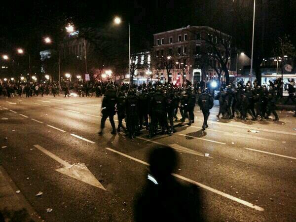 Arrasando y cargando, la UIP en formacion. Esto es FASCISMO #MarchasDignidad22M http://t.co/WWwtHMMnno