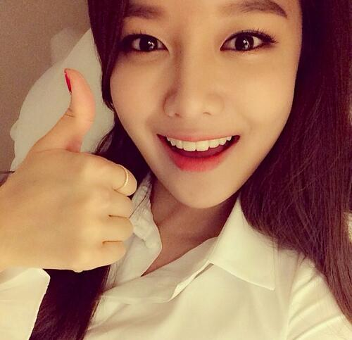 Sooyoung instagram: I am all set to meet the Vietnamese fans soon!! R u ready to have fun w/GG?? http://t.co/sle3SYSY7R