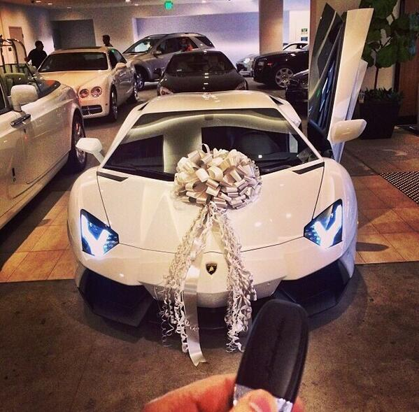 صور سيارات On Twitter Quot Lamborghini Aventador Present