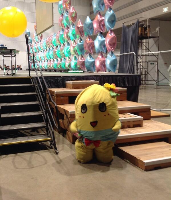そしてふなっしー、お疲れさまでした。(休憩中) #ふくしま再興祭り http://t.co/4bLsGYmsdG