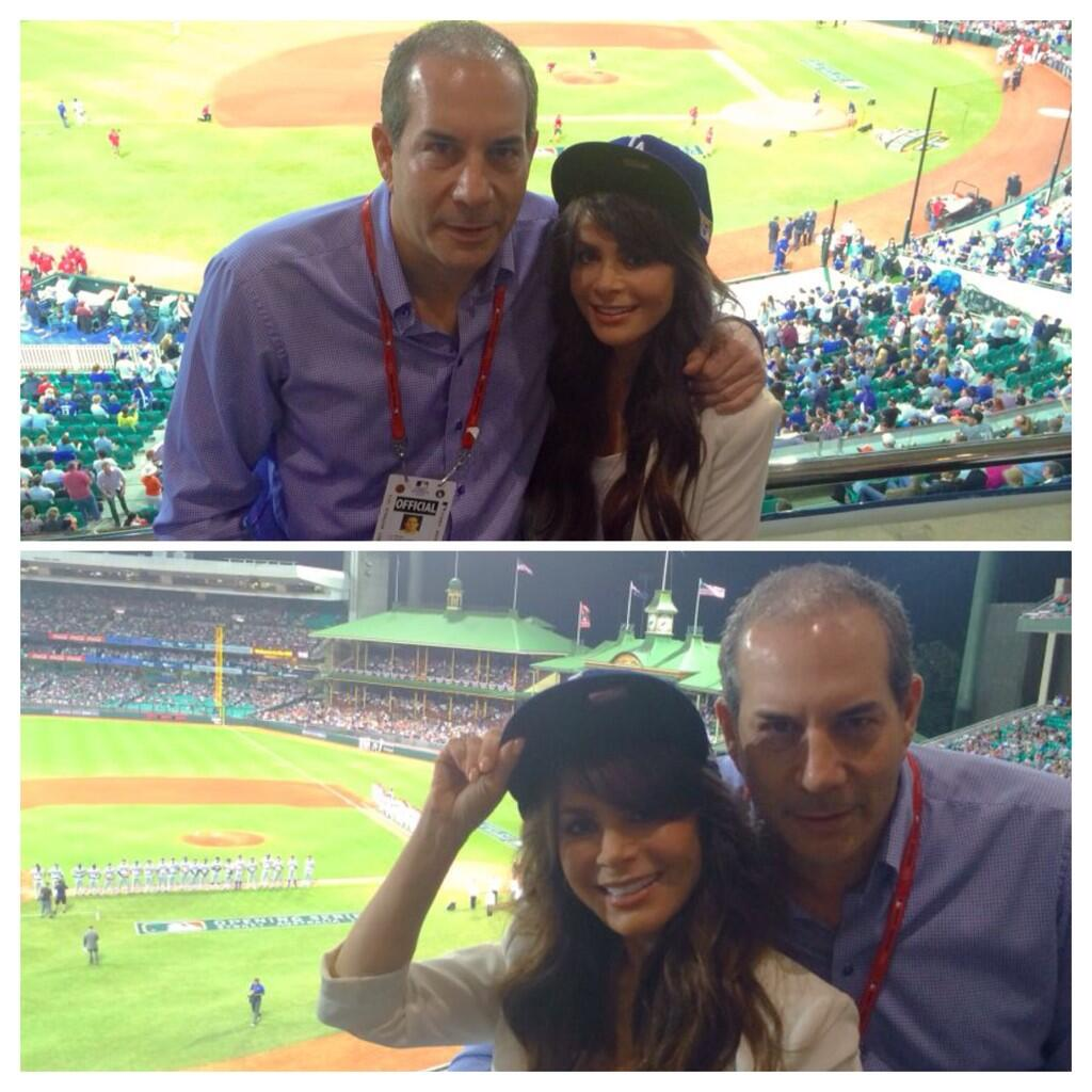 #LonRosen, my old boss when I was a @Lakers Girl (and now #BFF) at the @Dodgers vs @Dbacks at @SCG in #Sydney! http://t.co/pGQilfkWNw