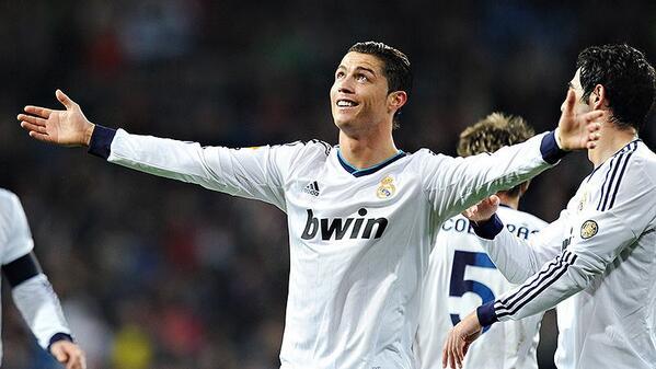 Haz RT si apoyas al Real Madrid en el Clásico » La Experiencia #ClásicoESPN http://t.co/DhgcyzOjPe