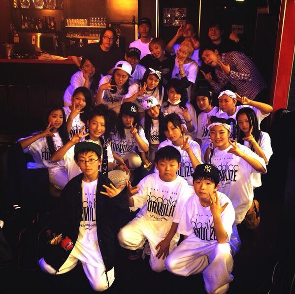 おうちついた♡  AZU LIVE TOUR 2014 大阪&名古屋  楽しすぎてもう夢みたいでした♡ ありがとございましたぁぁぁ♡  次は東京ファイナル!! 29日‼︎  ワクワクワーク♡♡♡ http://t.co/M3qfXPtCxQ