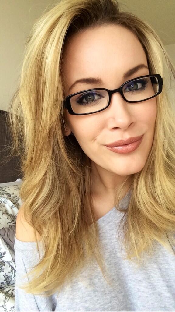 Jenni Lynn  - Mood today � twitter @Jenni_Burns selfiesunday