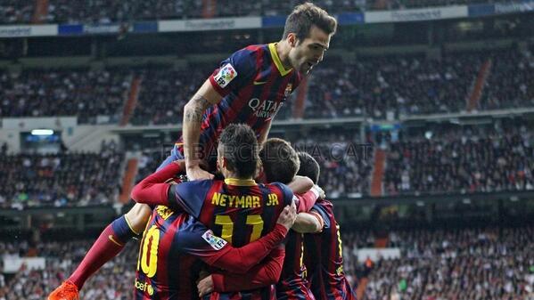 ¡Final! Victoria del Barça en el Bernabéu (3-4). Hat-trick de Messi y gol de Iniesta #fcblive http://t.co/HENGgZoFnS