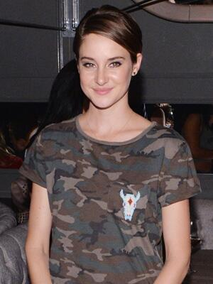 5 weird/awesome reasons Shailene Woodley is the ultimate natural beauty: http://t.co/w2pIXzvxBS http://t.co/ViZCyHvh3d