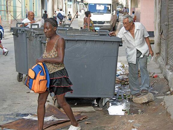 Néstor fue mi profesor de Física. Siempre me aconsejó que esperara, que vendría un futuro mejor. #Cuba
