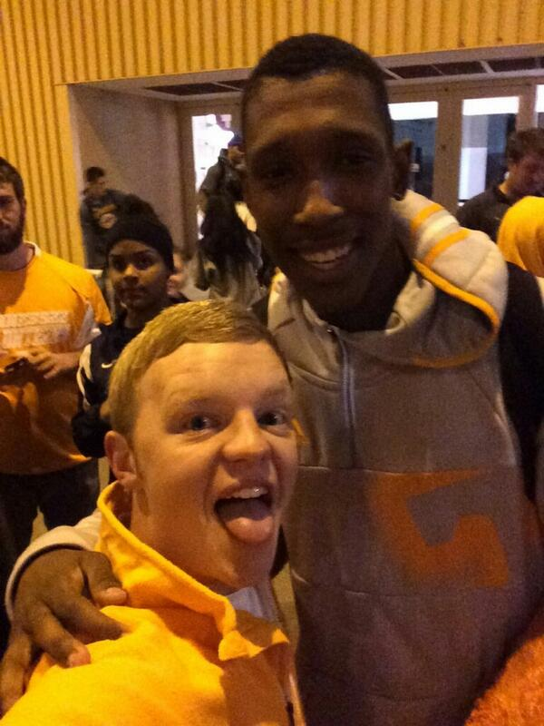 Welcome back Vols! Sweet Sixteen Selfie with @J_Rich1! #TougherBreed #GoVols @Vol_Hoops http://t.co/jXLog76RUF