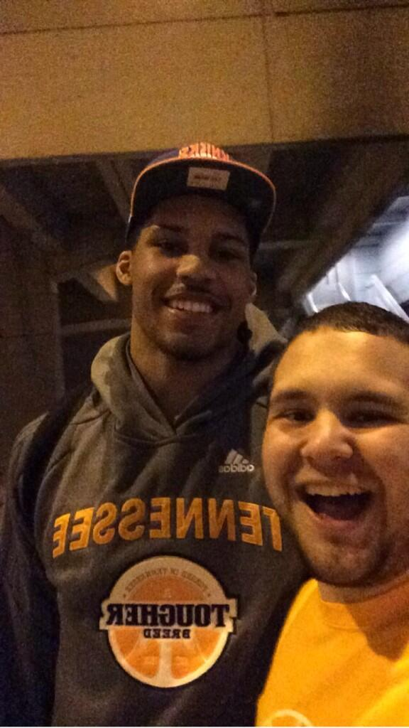 #Sweet16Selfies @Vol_Hoops http://t.co/sFZwdTH7Fs