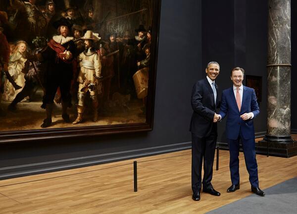 President #Obama visits Rijksmuseum http://t.co/nRN2dlQH19 http://t.co/kzHCCJ3SJf