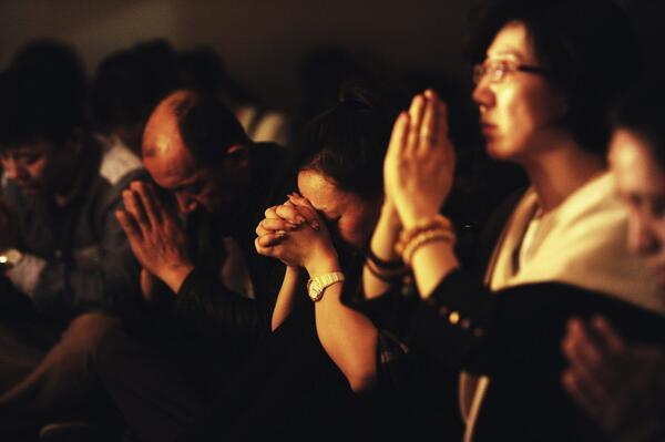 Malaysia Airlines teria dito por SMS a famílias que não há sobreviventes http://t.co/Mt6b6spUFP http://t.co/O4mBmVmeCu