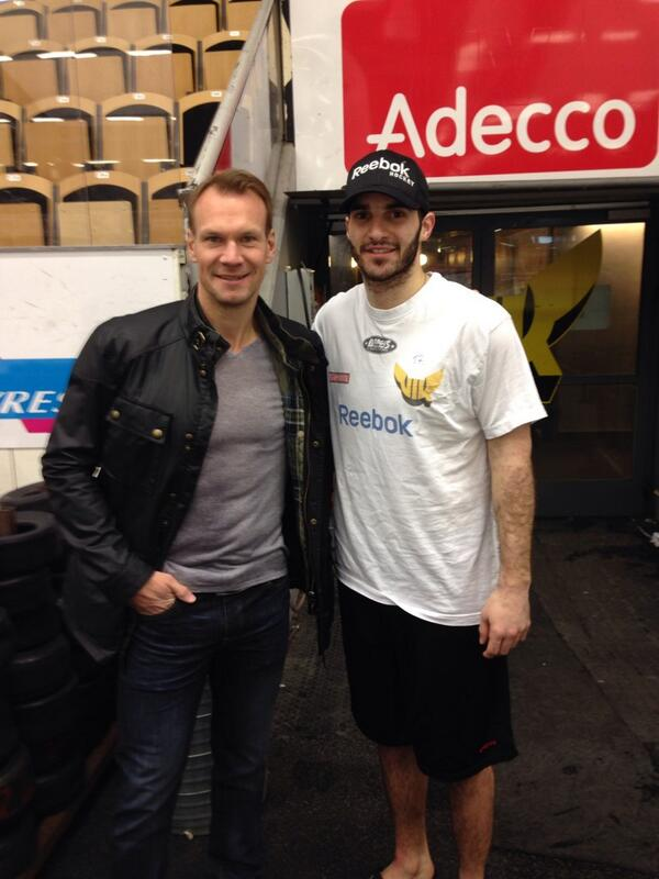 The best dman I ever watched play wishing the boys luck! #lidstrom #legend #blacknyella http://t.co/GsnjiBF4q4
