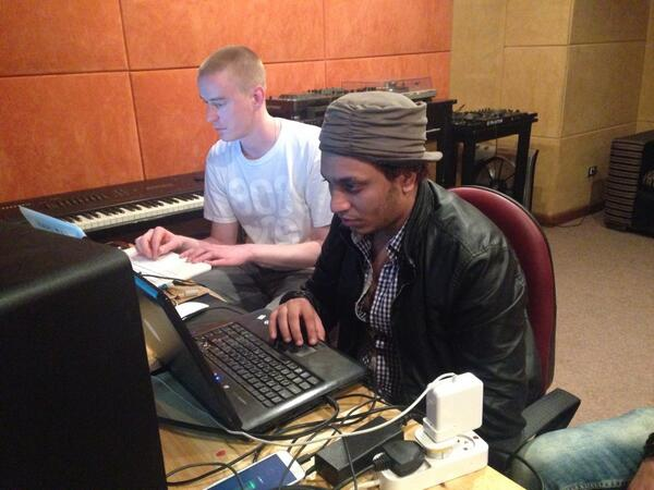 @TectonicPinch & Figo working together on mixing sounds from Egypt & UK #cairocalling @BritishMusic_ http://t.co/1SCj8zDvAL