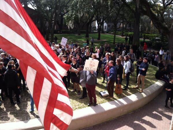 Students taking turns speaking on the bullhorn. #chsnews #cofc http://t.co/xMwiPl7CMA