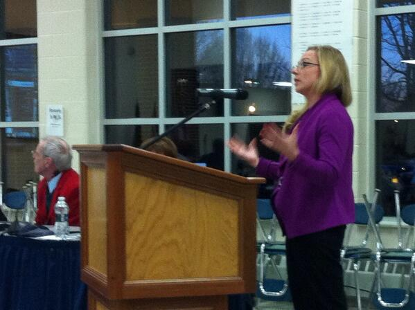 Ass't Boro Manager Erica Weekley outlines borough web; Says they want to market town & interact with residents. http://t.co/TULTrQXTVf