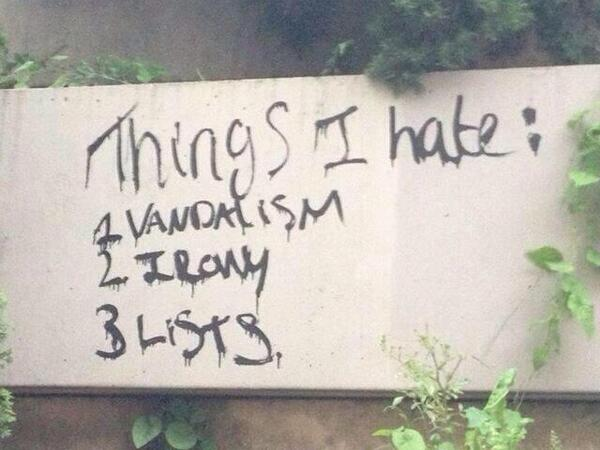 The perfect graffiti : ) http://t.co/P2BUEjn0O6  RT@DokterBertho h/t @Stig_Skov